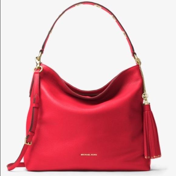 50b12ef783d4 Michael Kors Brooklyn Large Leather Shoulder Bag. M 5c64ce279539f7731209bf6e